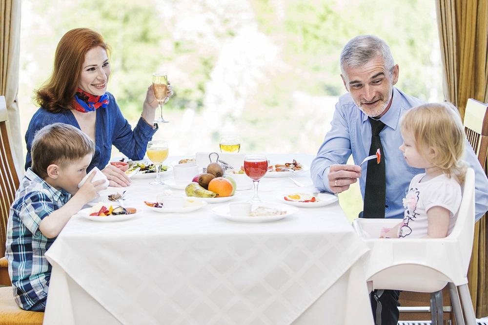 Вкусные и разнообразные завтраки в ресторане отеля Карелия