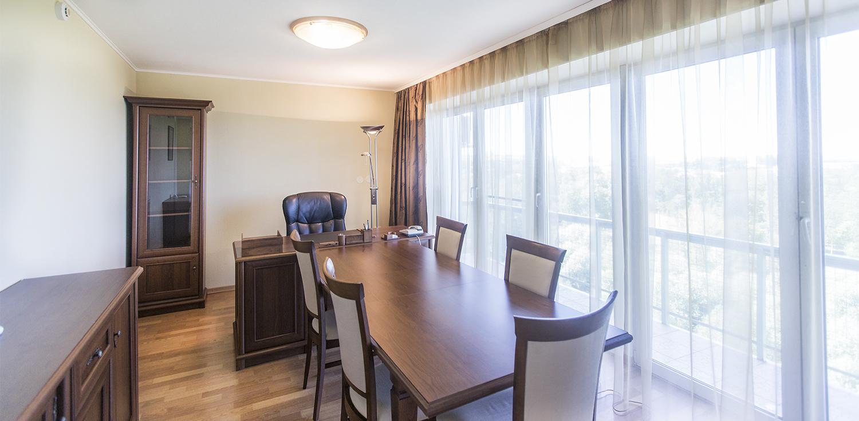 Комната переговоров в отеле Карелия